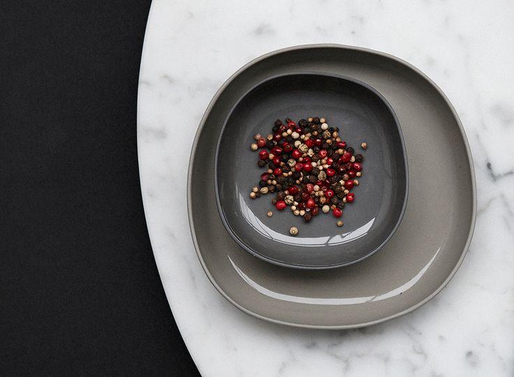 Wunderschöne Keramik von Hübsch für den Tisch…