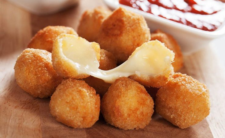 Low-Carb Fried Cheesesticks