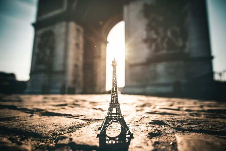 https://flic.kr/p/KZEhiV   Paris   In May, I did a short trip to Paris for the first time in my life. I take the TGV from Stuttgart and booked a hotel near the Eifel tower for 5 days. I used the Velib bikes all the time, I think this is the best and easiest way to explore this beautiful city. This shot was taken on the Arc de Triomphe at Paris, France