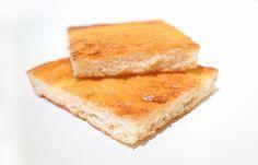 Fases:Crucero  Tolerados:Maizena, Leche en Polvo, Caramelos 2 Huevos1 Yogurt o 125 ml Queso Batido 0%3 CS Maizena4 CS Leche en Polvo Desnatada1 Sobre de Levadura QuímicaAroma de Mantequilla8 Caramelos Solano MolidosSacarina Liquida Mezclamos todos los ingredientes con las varillas, volcamos en un molde cuadrado y grande de silicona para que quede esponjoso y bajito…
