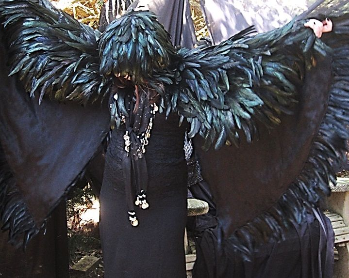 feather_cloak_lined_by_morbidcloud-d66uauk.jpg 719×574 pixels