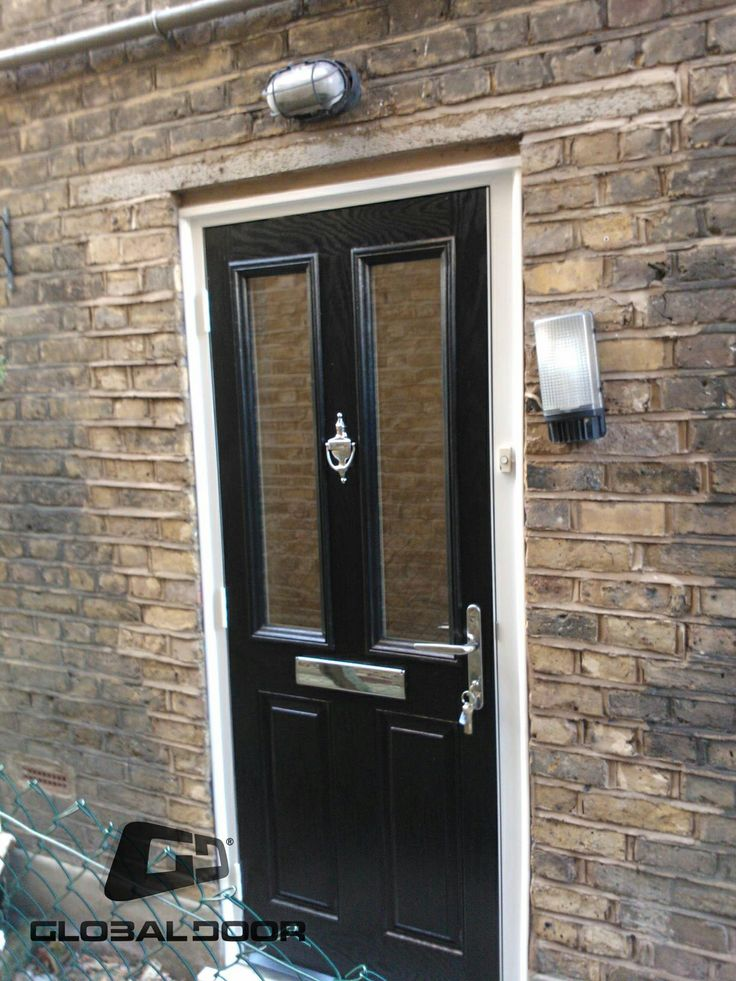Black Composite Doors by Global Door, our customers often ask to see real homes with real doors to try and get a better idea of how their new composite door will look like on their home. With Global Composite Doors starting at just £453 theres never been a better time to improve your home  #compositedoors #globaldoor#frontdoors #doorstoopdoors #newfrontdoor