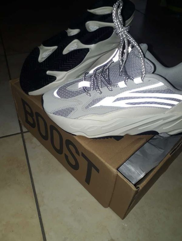 Yeezy Boost 700 static (with box) for