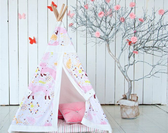 This teepee in safari style is made of 100% cotton. Holders with stainless steel buttons. To the right of the entrance - a window with a curtain. The main fabric of the tent is beige. The colors of the squares in the extra fabric is white, black, light beige, brown and gray. ALL OUR TEEPEES WITH POLES AND BAG FOR STORING TEEPEE. Teepee is formed as an umbrella for a few seconds. It can be used indoors or outdoors, but do not leave it in the rain. The mat is made of 100% cotton fabric…