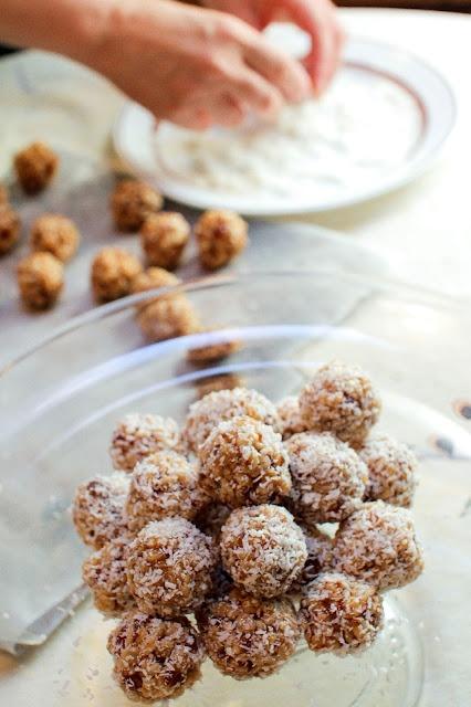 ... Of Indian Cooking: Bibi's Krispy Balls, A Gluten Free Holiday Treat
