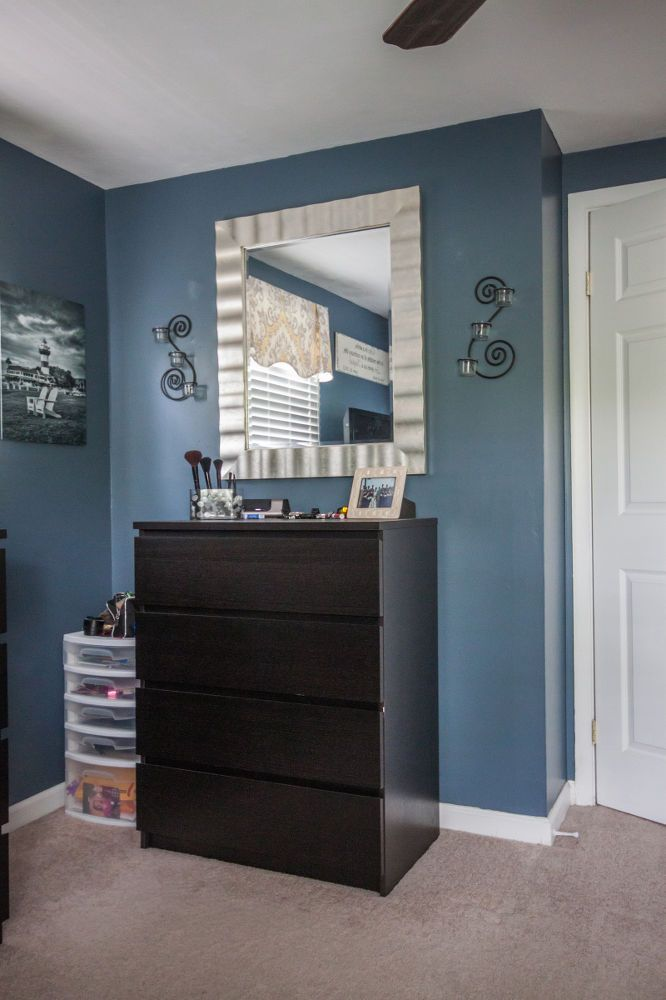 DIY+Master+Bedroom+Makeover+for+a+Small+Room
