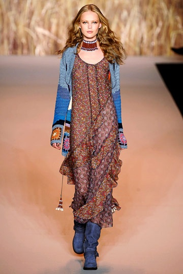 Anna Sui Spring 2011 RTW. This is one of my favorite casual ready-to-wear outfit EVER.