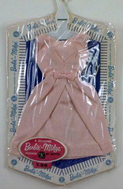 *1962/63 Barbie & Midge - Pink Cotton Belle Dress & Pearl Necklace (Fashion Pak) #