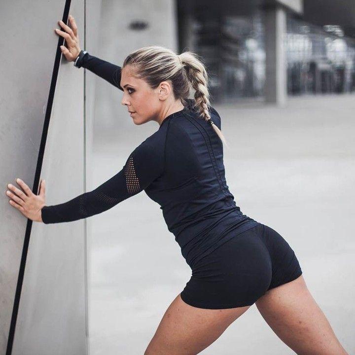 @justinegallice Deine Motivation hätten wir auch gern! Nach einem Morning Run kann der Tag nur gut werden.  Und das Isabella Seamless L/S Top steht ihr richtig gut! Foto von @jessy.penelon