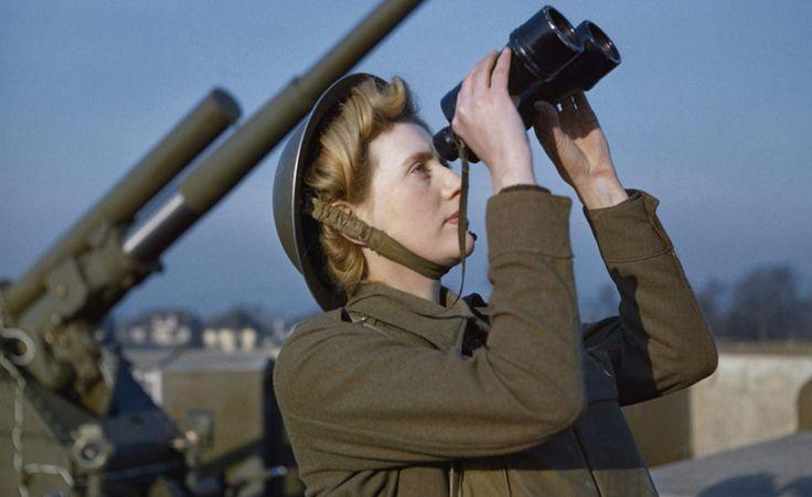 Le immagini sono state rese pubbliche per la prima volta negli ultimi giorni grazie agli Imperial War Museums britannici, che hanno curato un libro fotografico