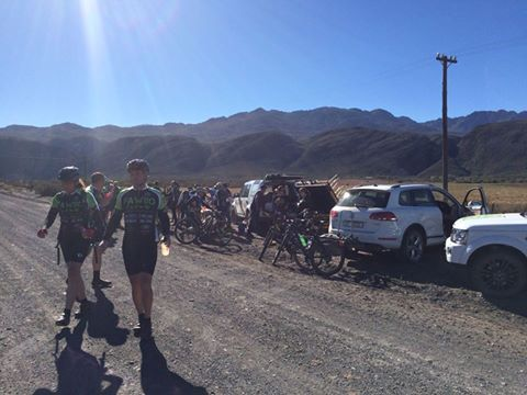 2PM saw the riders having a lunch stop at Seweweekspoort - 90km down, about 400km to go to Melkbosstrand...  You guys are PAWsome!
