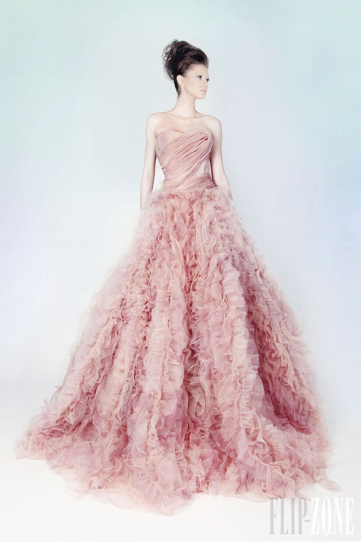 151 best Fabulous Dresses images on Pinterest | Beautiful gowns ...