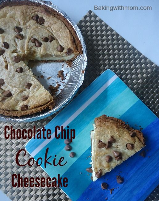 This chocolate chip cookie cheesecake combines the creaminess of cream cheese and the soft crust of a chocolate chip cookie. Easy to make, perfect dessert.