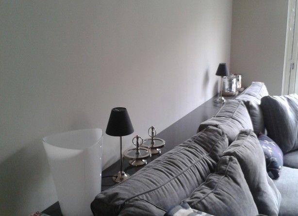 Plank achter de bank, ben nog op zoek naar grotere lampen...