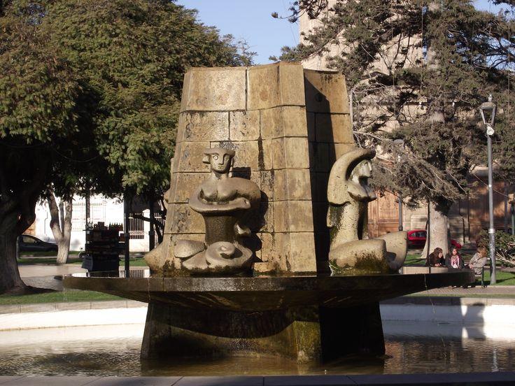 Fuente de agua Plaza de armas La Serena Samuel Roman Rojas
