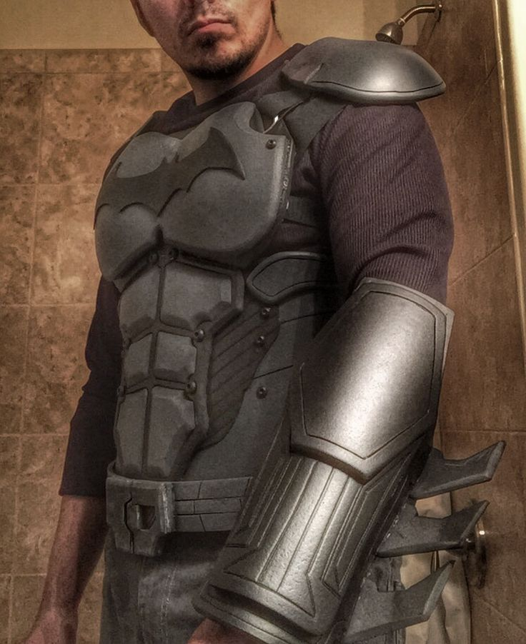 Test fitting arkham origins cosplay batman Batman Arkham Origins homemade costume cosplay DIY eva foam