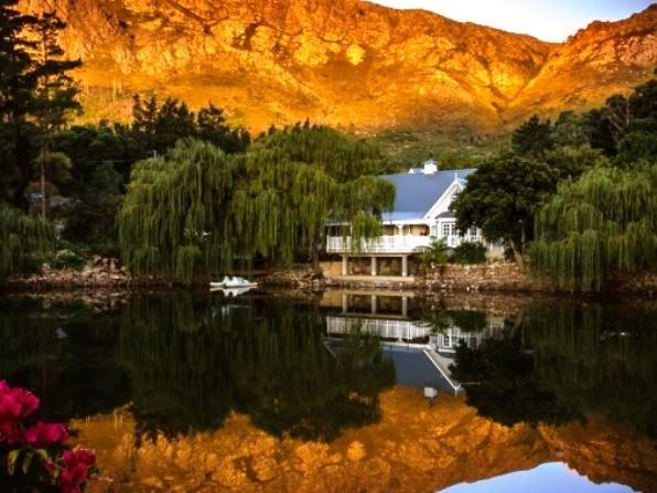 Farm Lorraine - Poised above a private lake that reflects Franschhoeks majestic mountains and perfectly landscaped grounds, Farm Lorraine offers a superb country retreat and an intimate venue, from which to enjoy the ... #weekendgetaways #franschhoek #winelands #southafrica