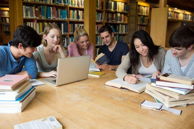 http://stellencompass.de/zweigleisig-in-die-arbeitswelt/ Zweigleisig in die Arbeitswelt - Ausbildung und Studium bei einer Berufsgenossenschaft kombinieren gd.djdNach dem Abitur erst einmal eine praxisorientierte Berufsausbildung absolvieren oder direkt auf die Uni wechseln? Vor dieser Frage steht jeder Schulabgänger, der die Hochschulreife frisch in der Tasche hat. Eine clevere - und immer beliebtere - Alternative ist es, Theorie und Praxis in Form