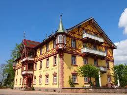 LandfrauenCafé Goldene Krone in St. Märgen, Hochschwarzwald...beste Kuchen und Torten, tolle Limos, zünftige kleine Speisen, nette Leute und gemütliches Sitzen...heiss begehrt!