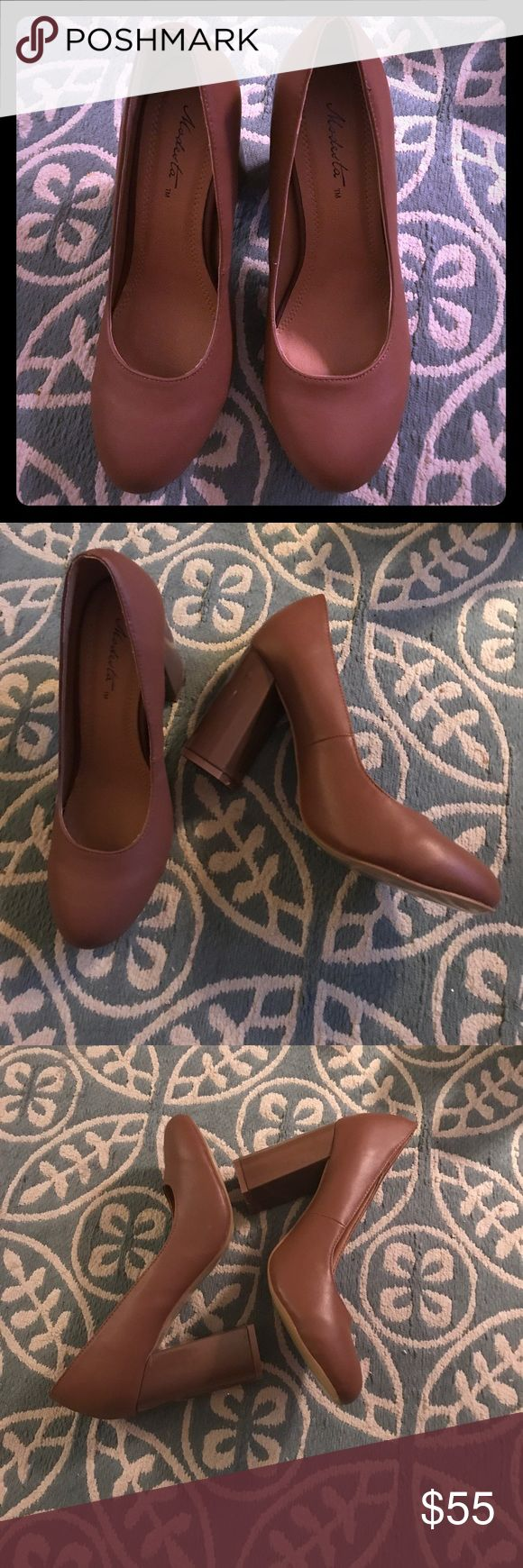 Modesta nude pumps! Gorgeous chunky heel pumps by modesta! Perfect for all season and they go with everything. Never been worn. modesta Shoes Heels