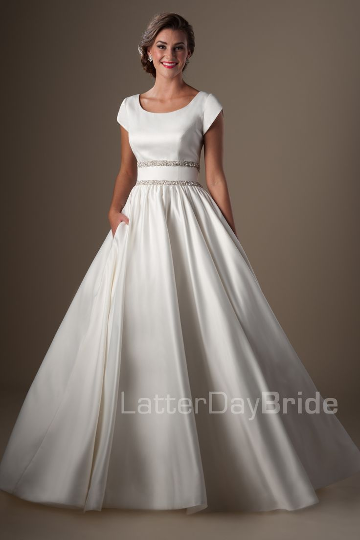 Ballgown (Wedding) : Imogen And THIS my friends, is the dress dreams are made of...