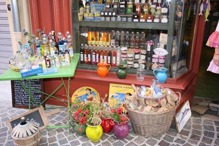 Cassis, destinazione shopping #ViaggiFrancia #ViaggiLitorale #MareFrancia #Cassis #ViaggiCassis #RDVFrance #Rendezvousenfrance