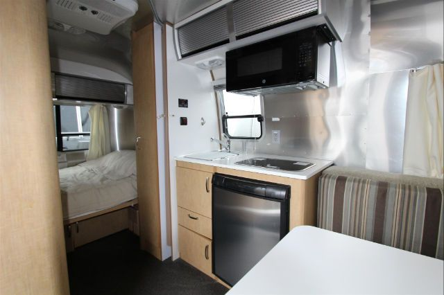 2015 AIRSTREAM SPORT 16' REAR BEDROOM USED - IN STOCK