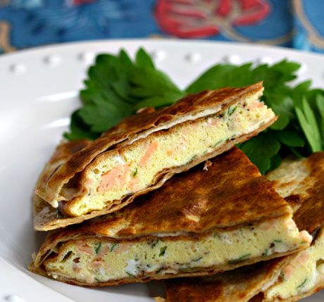 Are you having a brunch party this weekend? Try this breakfast quesadilla with smoked salmon and brief, a bit over-the-top but perfect for a party.