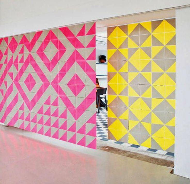 El genial sistema modular para crear puertas y paredes con un marcado 'look' gráfico