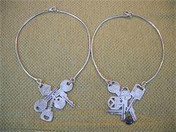 Collane: assemblaggio di chiavi e onice.