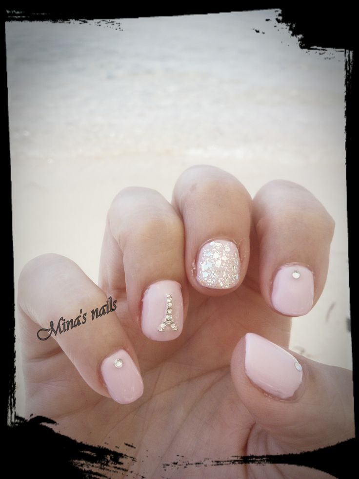 romantic pink nails..... <3