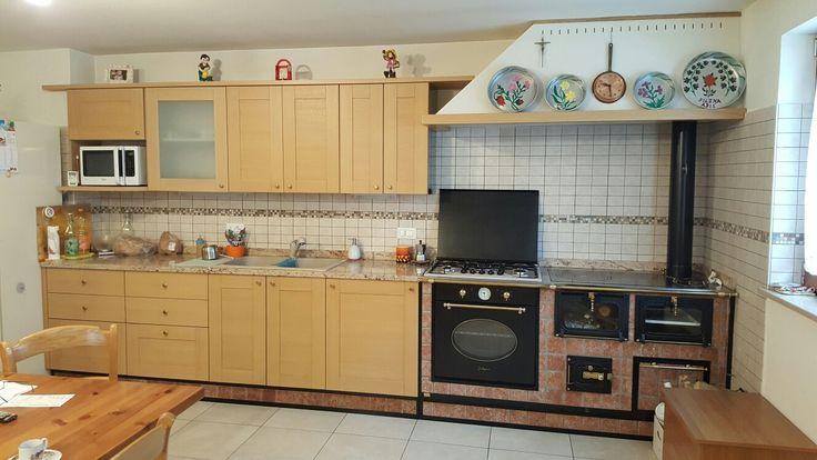 www.lafagagnese.com #cucina #cucinaitaliana #madeinitaly #cucinealegna #spolert #stove #woodstove #wood #kitchenwoodstove #fuoco #spazzacamino #kitchen #mobilisumisura #architecture #artigianato #pianocottura #cucinaeconomica lafagagnese #artigianatoitaliano #lafagagnese #mattone #sasso #travertino #shipping #worldwide #export wood stove woodstove