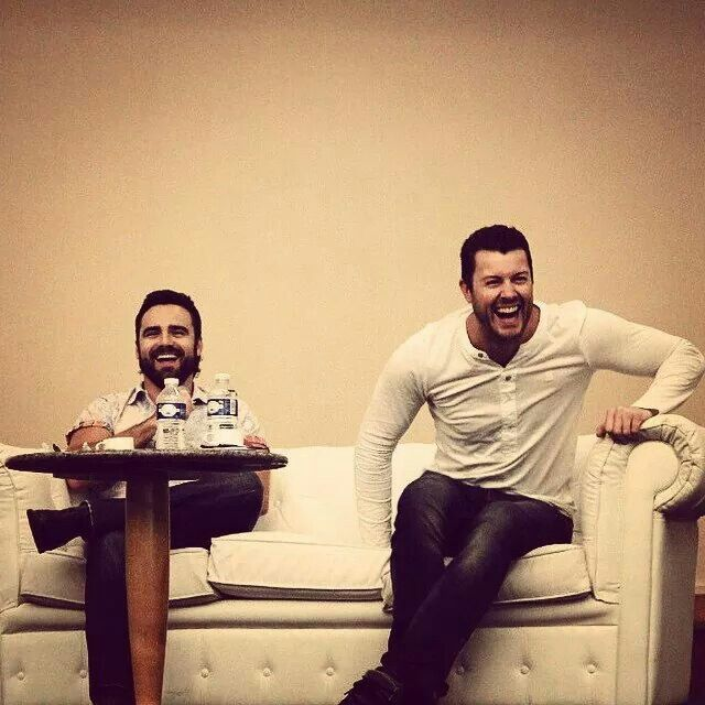 Dan Feuerriegel and Dustin Clare at the Q&A panel at the Spartcus Convention in Paris