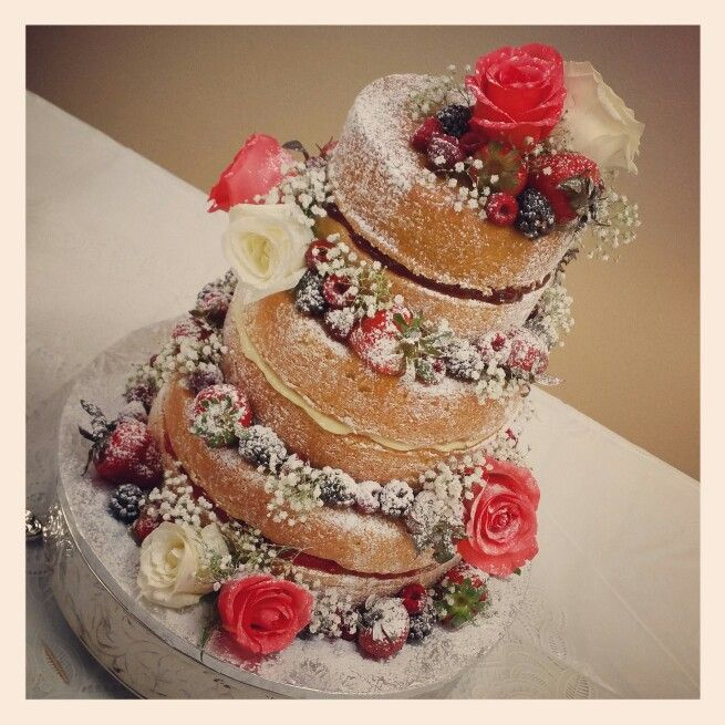 wedding cakes with berries and flowers 466 best twentyone cakes images on cake 25980