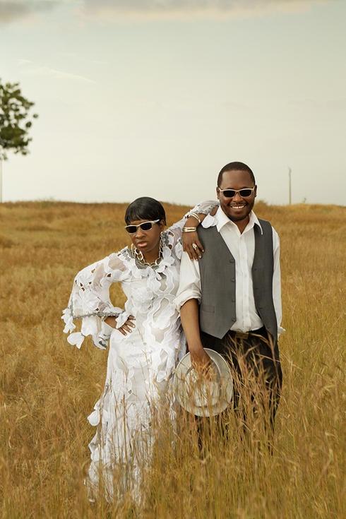 Amadou et Mariam, le couple aveugle du Mali comme on les surnomme, de la bonne musique malienne...