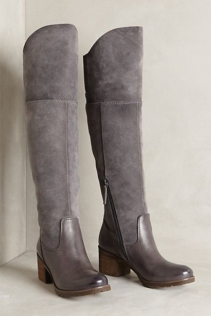 Beautiful grey boots http://rstyle.me/n/qi6u9nyg6