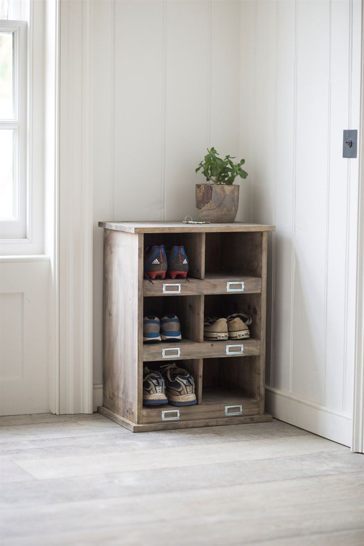 This small Chedworth Shoe Locker is perfect for keeping order in small spaces