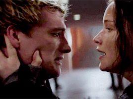 Josh Hutcherson as Peeta Mellark Jennifer Lawrence as Katniss Everdeen - Everlark - Joshifer - Kiss- the Hunger games Mockingjay part 2