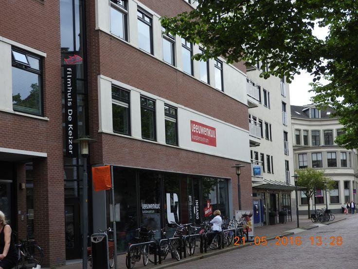 """Deventer - Filmhuis & Kunstencentrum.    'De Keizer' en """"de Leeuwenkuil', Dat is wachten op problemen, zo ben je keizer en zo lig je in de leeuwenkuil."""