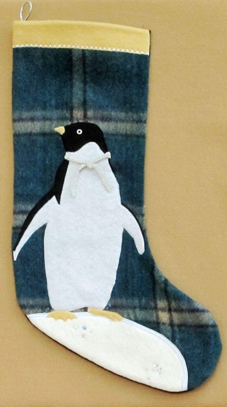BAS DE NOEL, fait main-pingouin/hand made christmas stocking-penguin de la boutique HOLESBAS sur Etsy