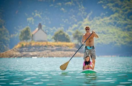 Pour une location de stand-up paddle et kayak, La Plage Baie Saint Michel vous offre la deuxième