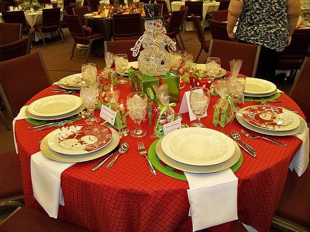 snowman christmas tree decorating ideas | Snowman and Presents Christmas Table (From FBC in Douglas, GA, G.E.M.S ...
