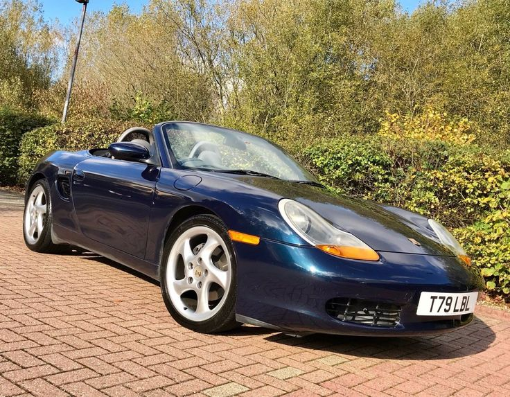 "This 1999 porsche boxster 2.5 986 ocean blue manual huge spec 18"" turbo alloys is for sale."