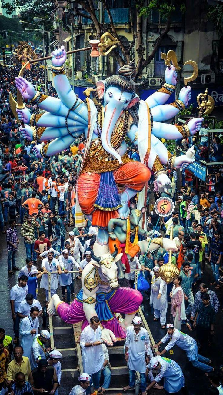 Mumbai cha Maharaja Khetwadi 11th Lane. Mumbai Ganesh Utsav 2016,Maharashtra,india. By Artist, Sculptor Mr.Vijay Khatu