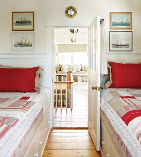 Nautical Guest Bedroom - great use of a small space