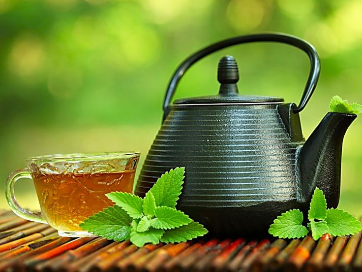 Moderate tea drinking can help to slow progression of coronary artery calcium and reduce the risk of cardiovascular events...