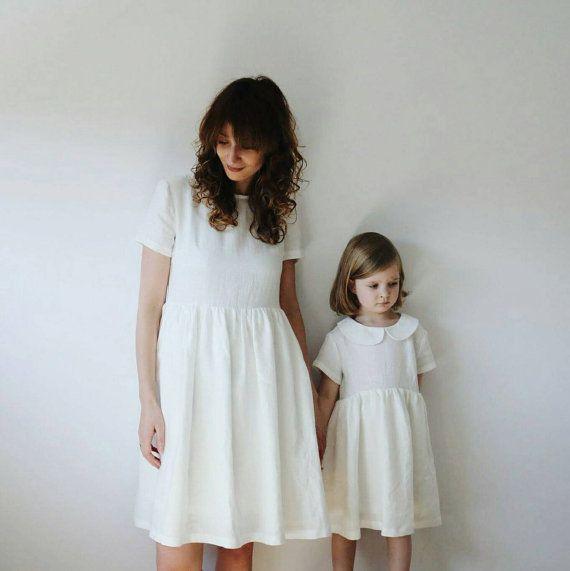 Bijpassende mama en mij jurken  White linnen jurken  door OffOn