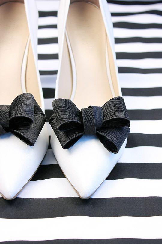 Shoelery by Erica Giuliani Textured Black Bow Shoe Clips