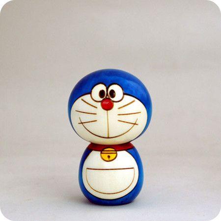 Jajajaj, una #Kokeshi de #Doraemon ¡como mola!
