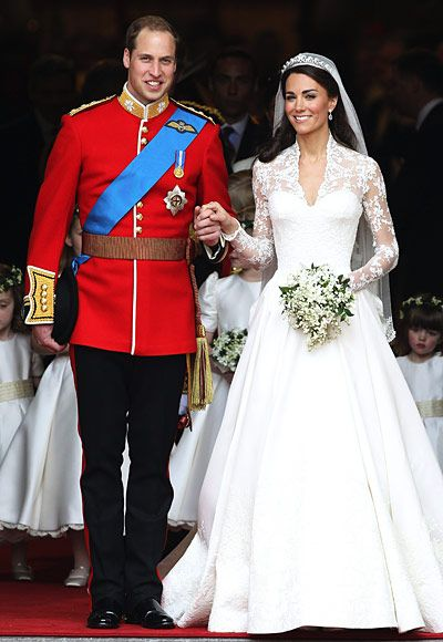 classy, classy, classy: Duchess Of Cambridge, Alexander Mcqueen, Wedding Dressses, Prince Williams, Williams Kate, Celebrity Bride, Kate Middleton, Celebrity Wedding Dresses, Princesses Kate